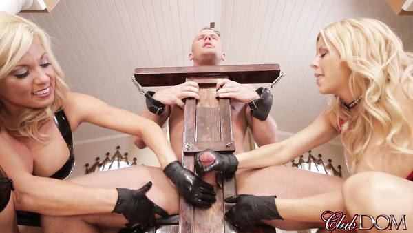 Milf Kadınlar Uşaklarını Kendilerine Seks Kölesi Yapmışlar