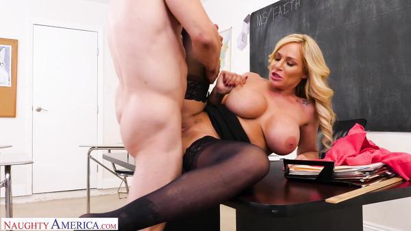 Seksi Öğretmenden Canlı Anotomi Dersi