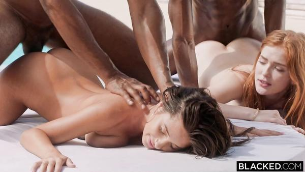 Zenci Oğlanlar Seksi Kızları Böğürterek Sikiyor