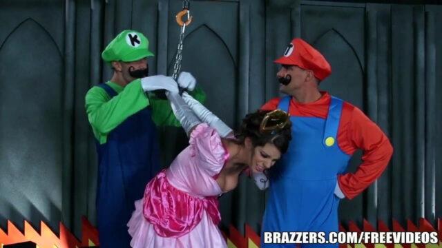 Süper Mario Ve Luigi Kurtardıkları Prensese Tecavüz Ediyor