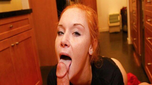 Kızıl saçlı ve güzel kadın kocasına sakso çekiyor