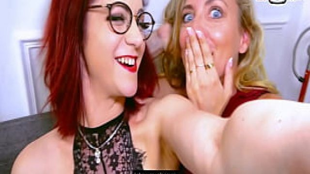 Webcamda Karşılıklı Sevişen Lezbiyenler